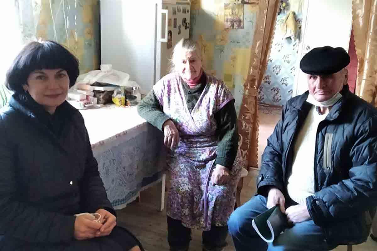 Елена Зябликова и Леонтий Заровский с двоюродной сестрой Василия Русецкого